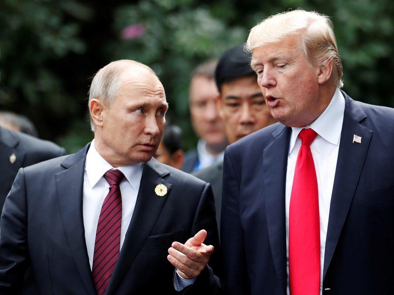 Buvęs CŽV direktorius: V. Putinas meilikaudamas manipuliuoja D. Trumpu