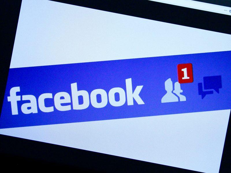 """""""Facebook"""" pertvarko naujienų juostą"""