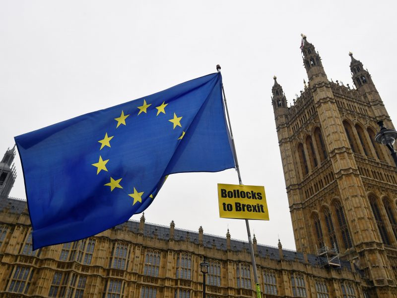 """Didžiosios Britanijos pramoninkai: """"Brexit"""" be sutarties negalės būti valdomas"""