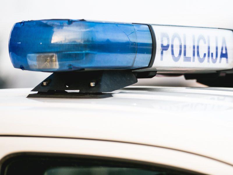 Vagių apsukrumas Jonavos rajone: pavogtas moters automobilis ir tūkstantinė suma