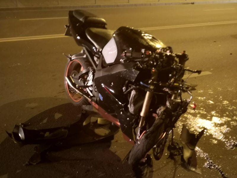 """Šančiuose per """"Opel"""" ir motociklo avariją sužalotas motociklininkas"""