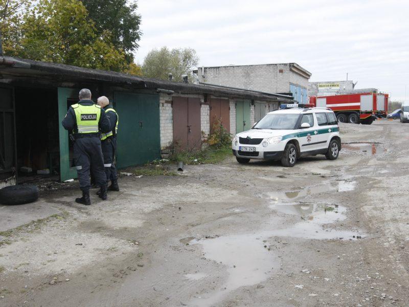 Prie garažų užpultas ir apiplėštas vyras patyrė didžiulį nuostolį