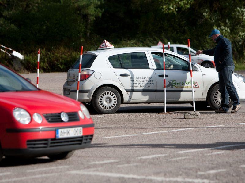 Kiek kainuoja tapti vairuotoju Lietuvoje?