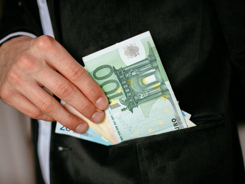 Ministras: Lietuvoje šešėlis traukiasi sparčiausiai ES