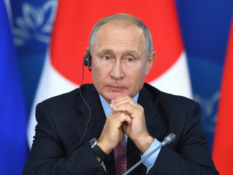 Rusų pasitikėjimas V. Putinu nukrito iki 39 procentų