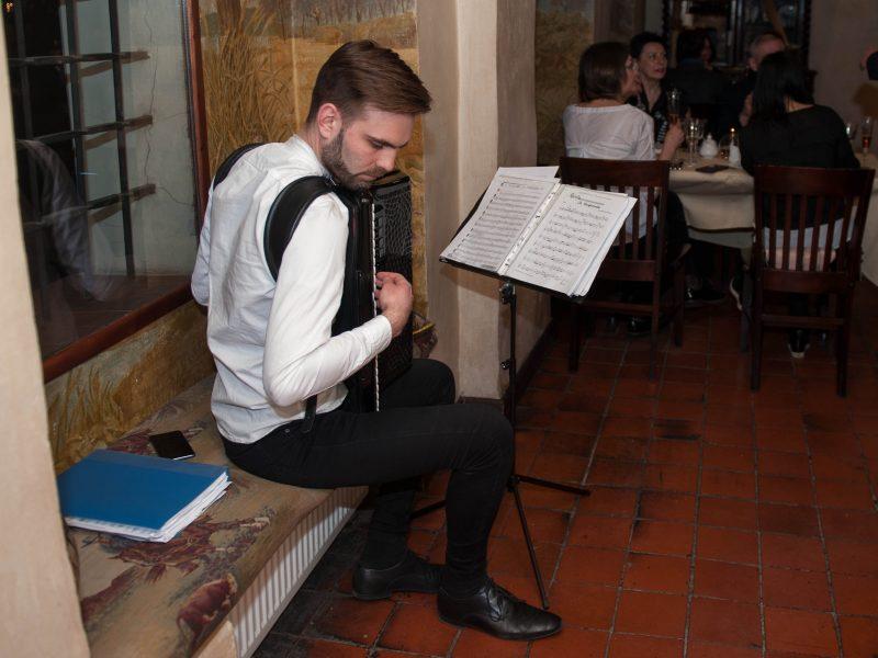 Prancūziška vakarienė Medžiotojų užeigoje
