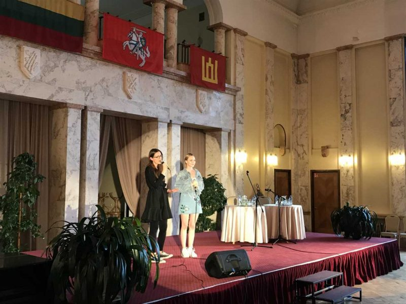 """Netikėtas duetas: I. Zasimauskaitė ir P. Valentaitė atliko """"eurovizinį"""" kūrinį"""