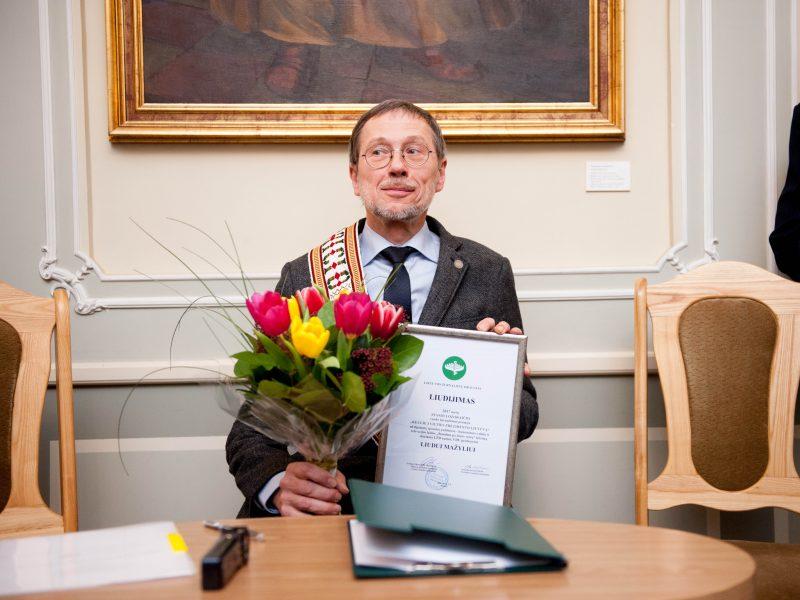 Apdovanotas prof. L. Mažylis turi naujų planų