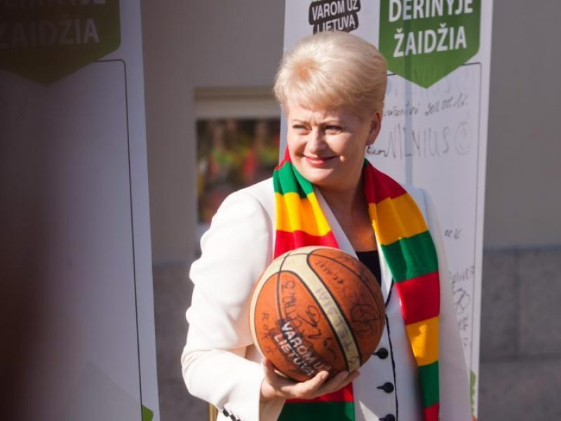 Apklausa: į prezidento postą žmonės rinktų D.Grybauskaitę
