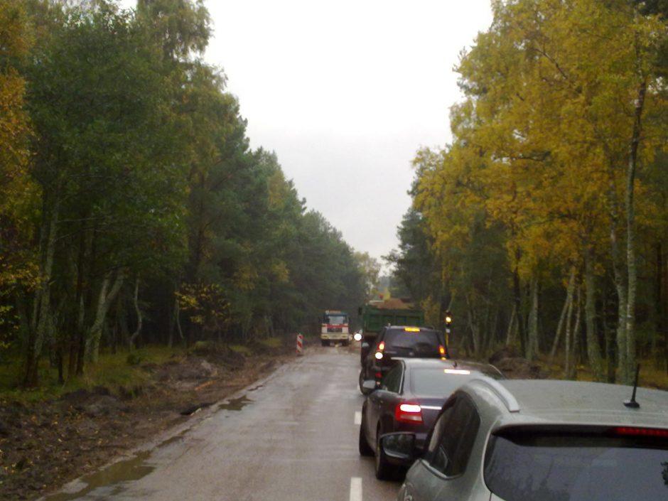 Kelias į Nidą pavirto sunkiai įveikiama purvo trasa (atnaujinta16:29 val.)