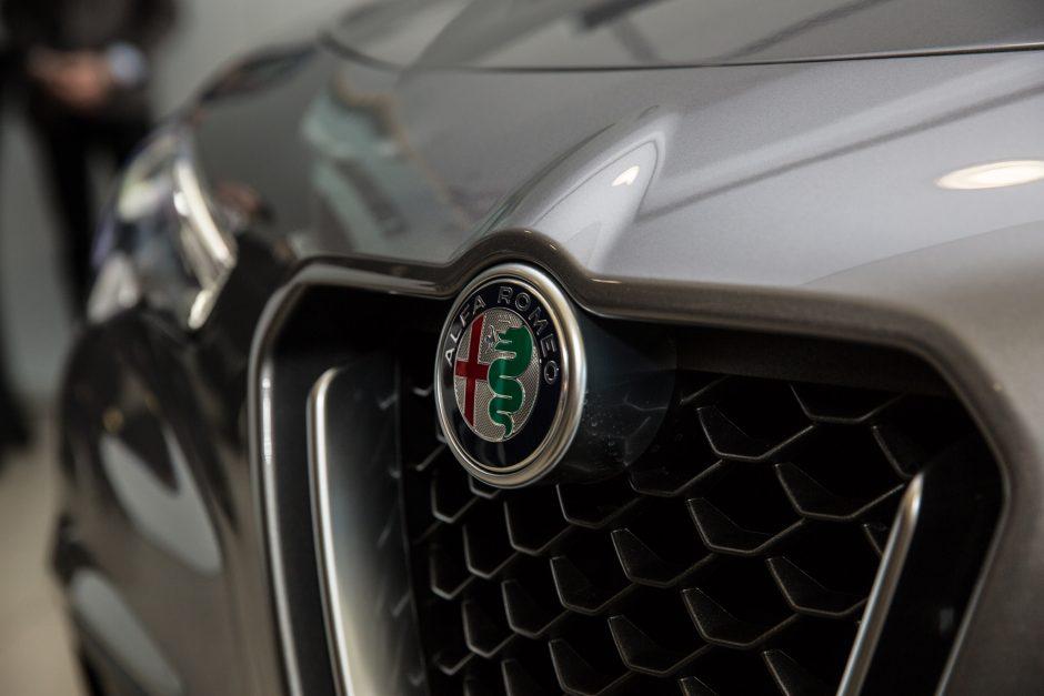 """Pirmasis """"Alfa Romeo"""" visureigis """"Stelvio"""" – jau Lietuvoje"""
