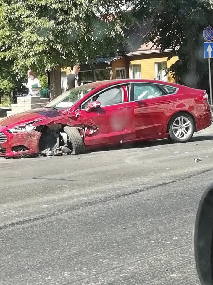 Dėl avarijos Utenos gatvėje buvo sutrikęs troleibusų eismas