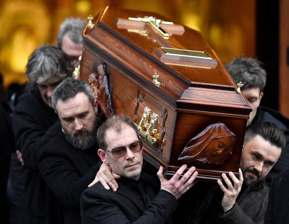 """Atsisveikinimas su """"The Cranberries"""" dainininke Dolores O'Riordan"""
