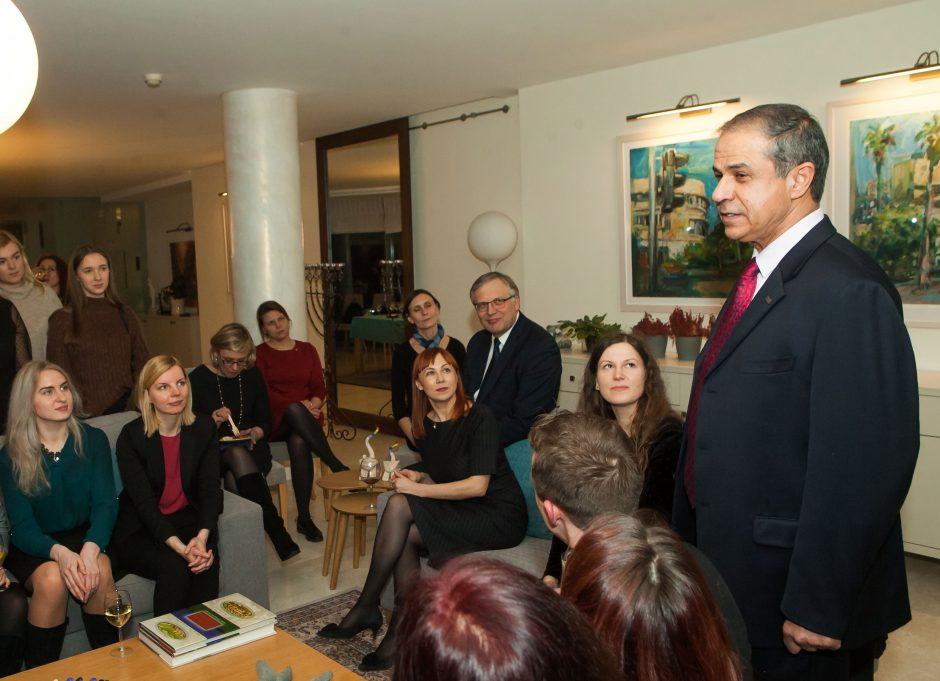 """Izraelio ambasadorius priėmė savanorius – """"Kelrodes žvaigždes"""""""