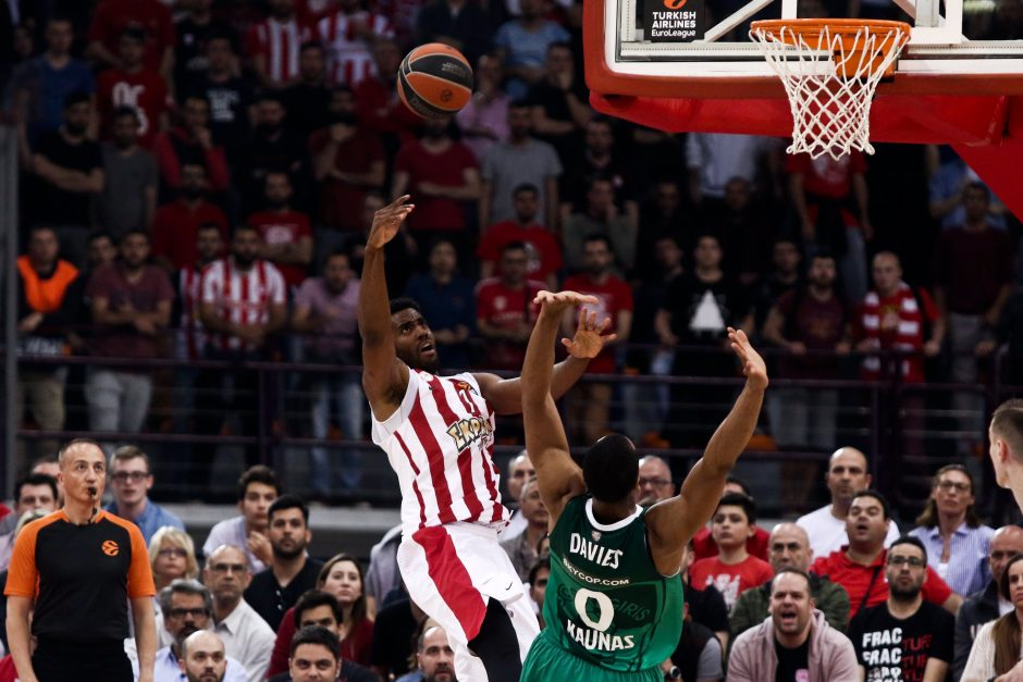 """""""Žalgirio"""" krepšininkai nusileido """"Olympiacos"""" komandai"""