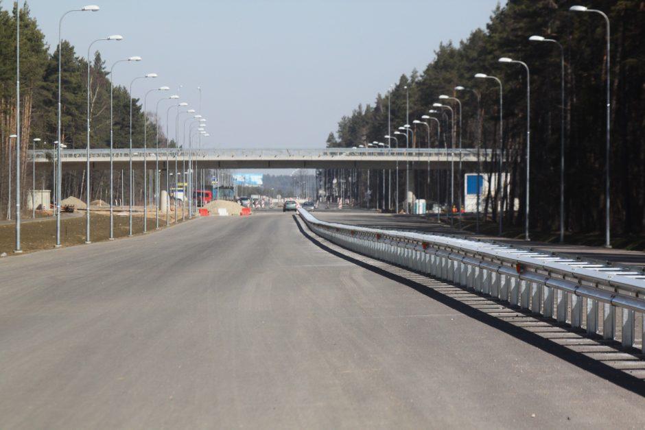 Atnaujintas eismas Kirtimų gatvės atkarpa: nuo Lentvario g. iki Galvės g.