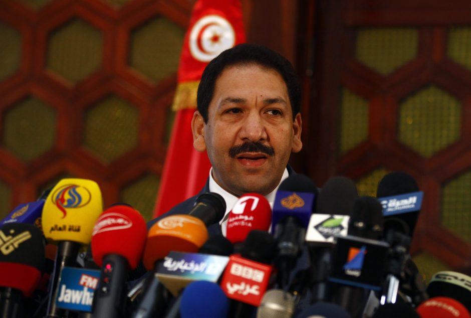 Abu nužudyti Tuniso opozicijos lyderiai krito nuo kulkų, paleistų iš to paties ginklo, tvirtina ministras