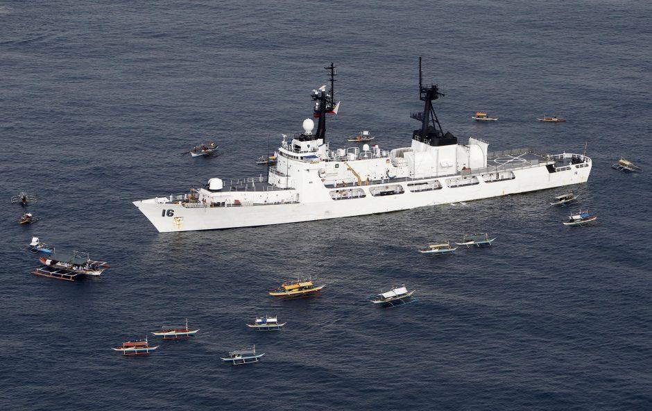 Kinija giriasi savo jūrų pajėgų galia: pirmąkart apiplaukta Japonija