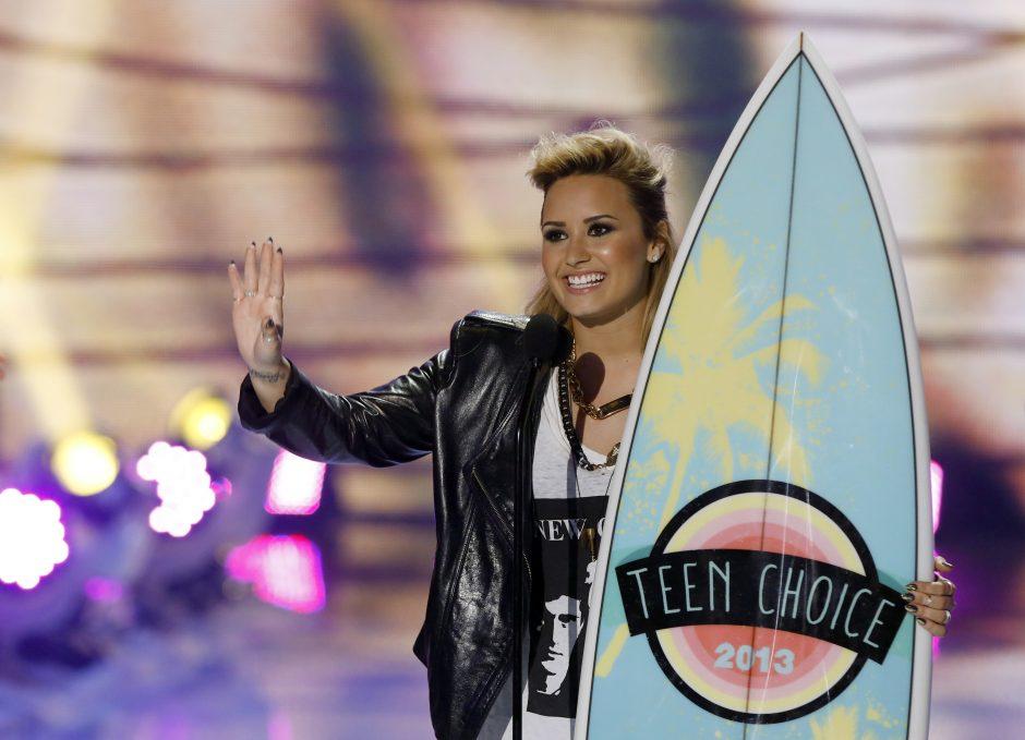 D. Lovato 21-ojo gimtadienio proga gavo ožį