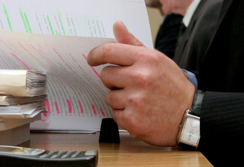 Sukčiavimu ir narkotikų laikymu kaltinamo verslininko byla keliauja į teismą