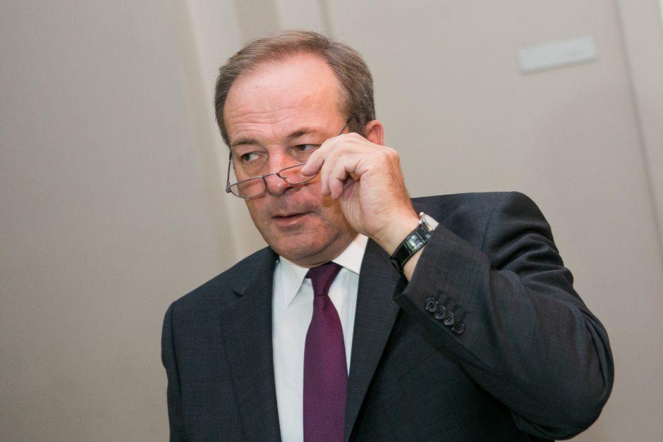 Teismas: vicemeras R. Adomavičius nuo pareigų gali būti nušalintas tik 3 mėnesiams
