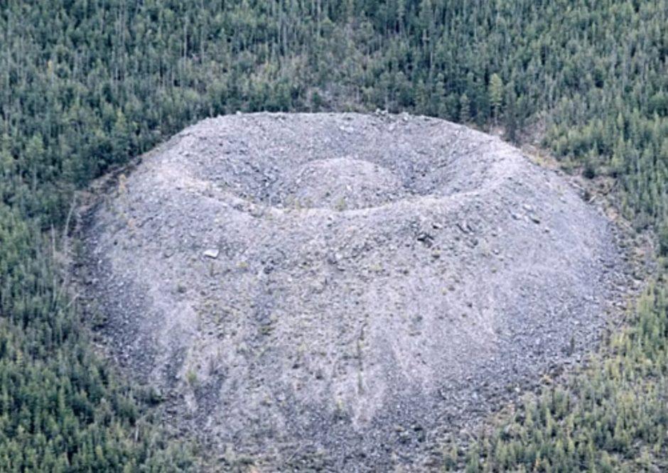 Patomskio krateris - mistikos ir radiacijos apgaubta Sibiro vieta