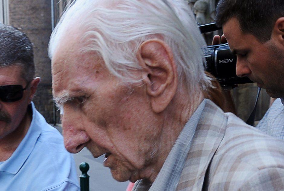 Mirė labiausiai ieškomu nacių karo nusikaltėliu laikytas vengras L.Csatari