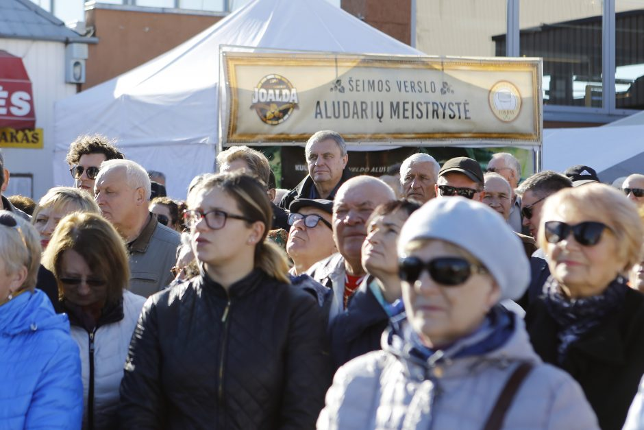 Naujojo turgaus šventę skelbė laikrodžio dūžiai