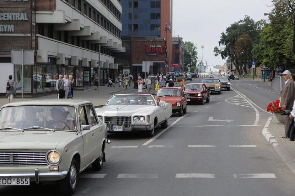 Senovinių automobilių paradas