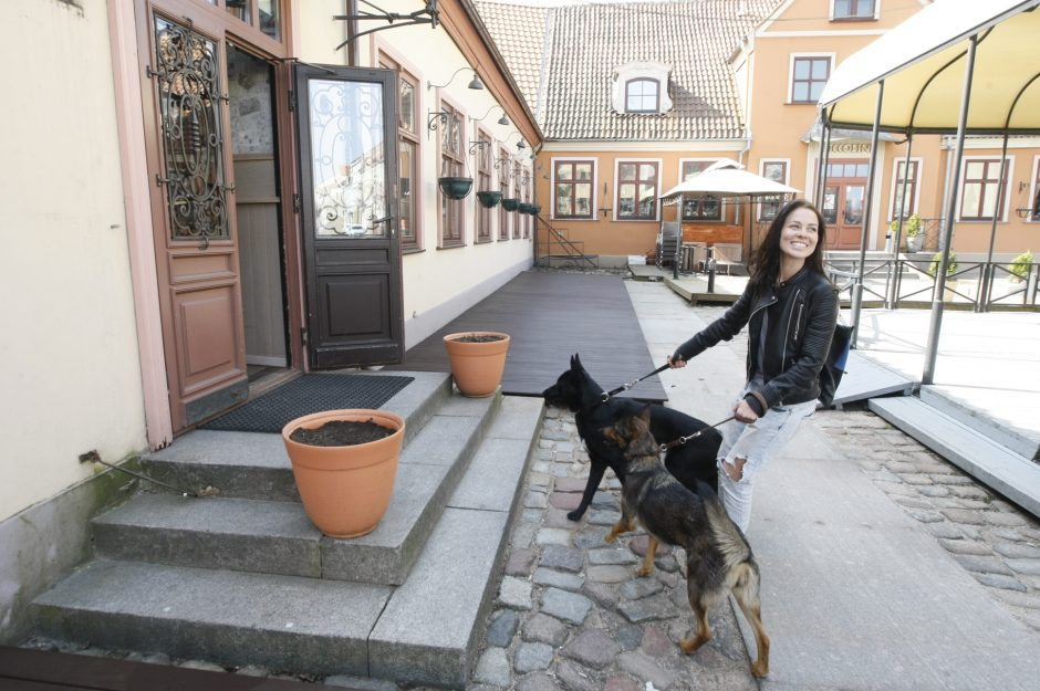 """Uostamiesčio kavinėse ir įstaigose """"šunininkai"""" laukiami"""