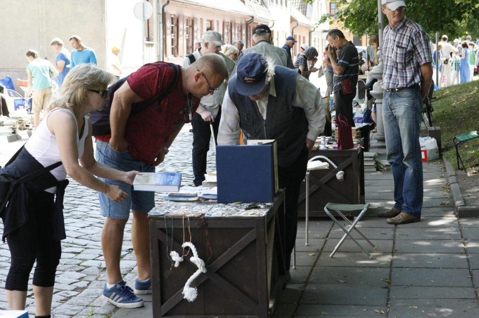 Blusų turgus Klaipėdoje