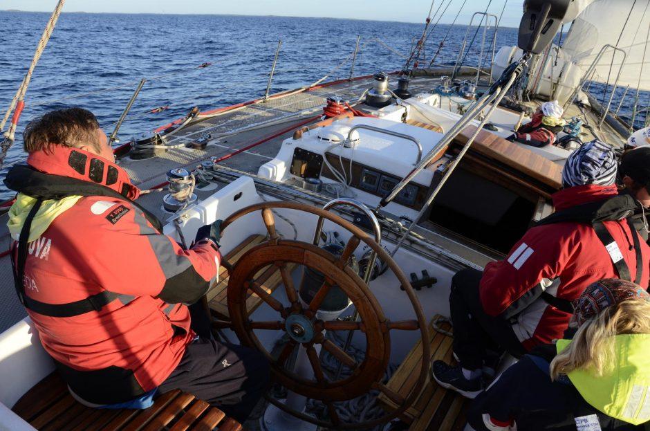 "Jachta ""Lietuva"" varžosi regatoje ""The Tall Ships Races"""