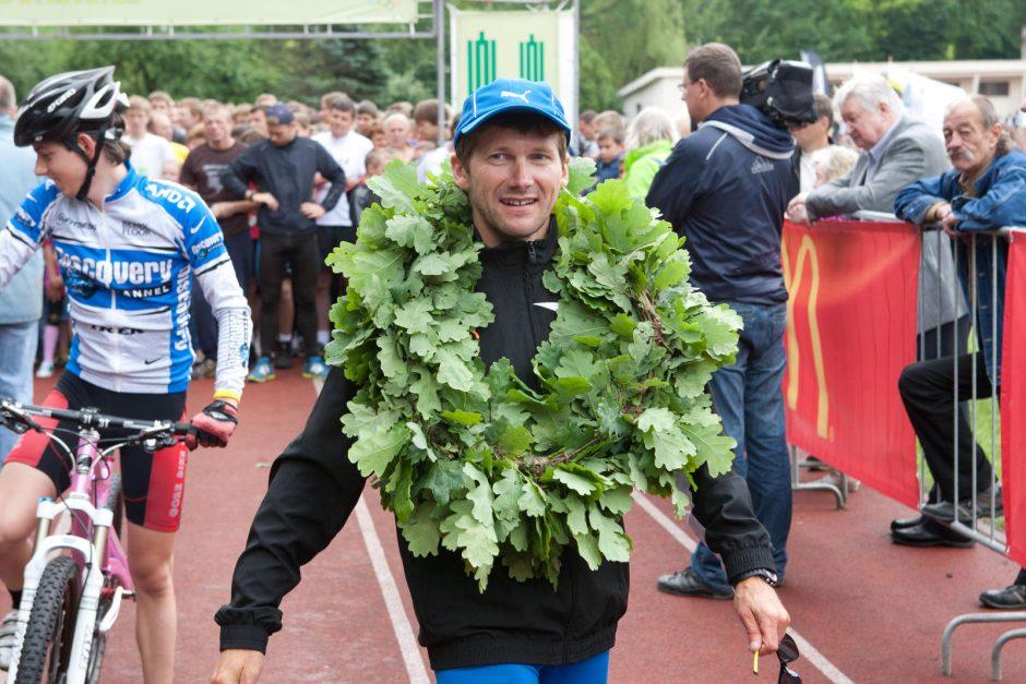 Ugniagesys gelbėtojas 3250 km bėgimą aplink Baltiją pradės Klaipėdoje