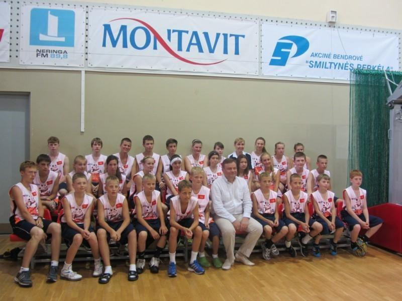 Tarptautinės krepšinio stovyklos dalyvius Nidoje sveikino Seimo Pirmininkas