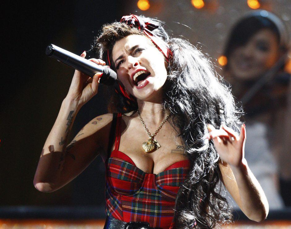 A. Winehouse motina: netikėjau, kad ji išgyvens iki 30-ies metų