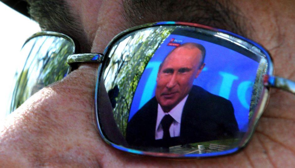 Politologas: Kremlius subsidijuoja didžiąsias Lietuvos televizijas