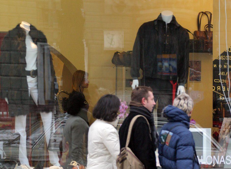 Vilniuje vyras iš parduotuvės pavogė tris brangias striukes