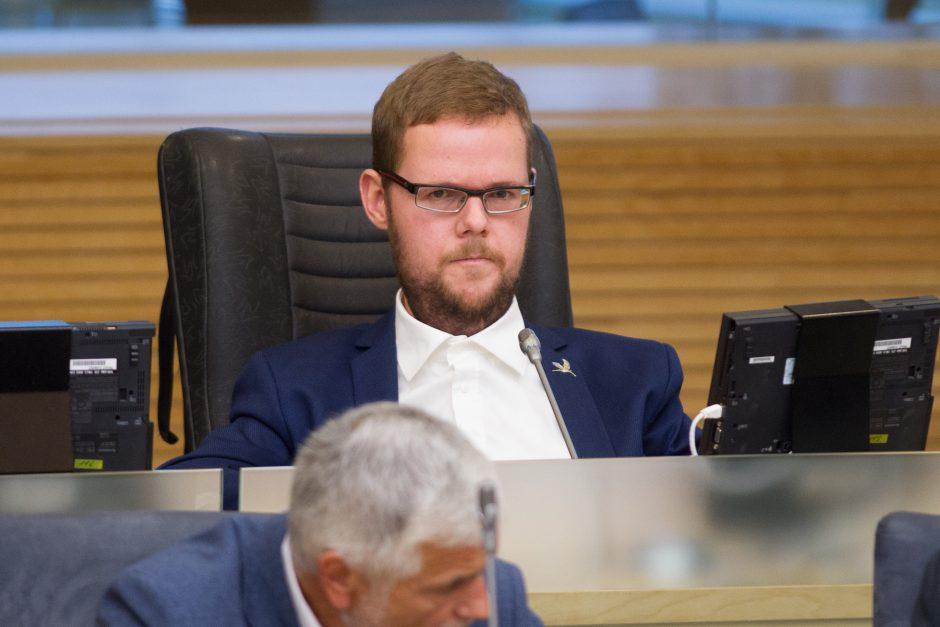 Seimas vėl svarsto siūlymą atvirai balsuoti dėl apkaltos