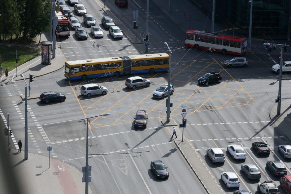 Vairuotojai netrukus neteks pamėgtos privilegijos