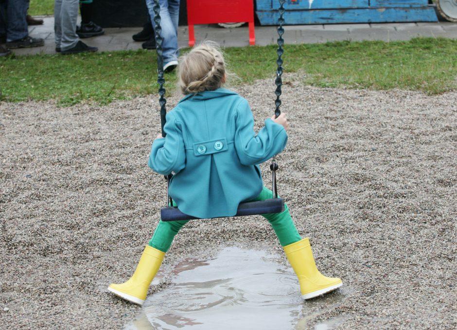 Įvedama prievolė vaikus apklausti tik dalyvaujant psichologui