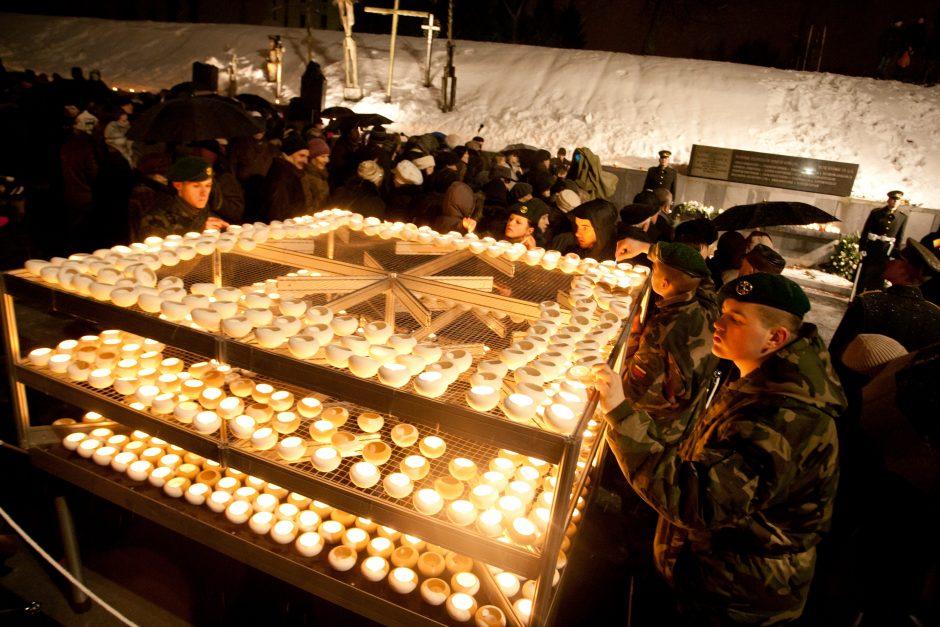 Žuvusiems Laisvės gynėjams atminti – žvakučių liepsna