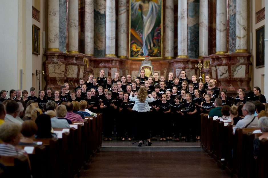 Metus pradėti šviesiai kviečia Jungtinis Lietuvos vaikų choras