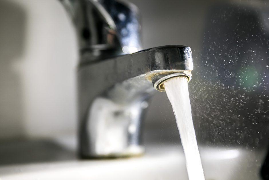 """Marijampoliečiai stveriasi už galvų: lervomis """"paskanintas"""" vanduo dabar – su chloru"""