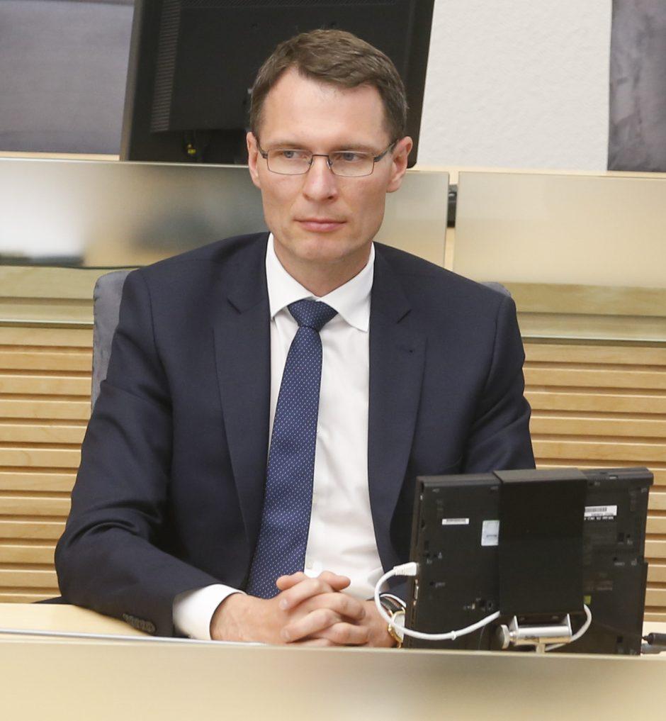 """""""Socialdarbiečiai"""" skleidžia sparnus ministerijose, E. Jankevičius nepasiduoda"""