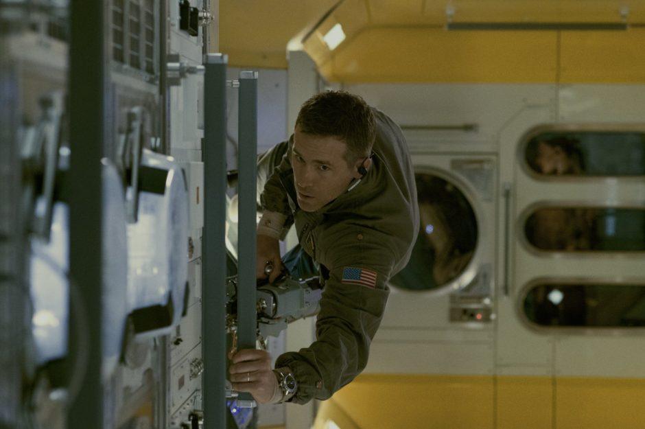 R. Reynoldsui ir J. Gyllenhaalui teko patirti tai, ką ištveria astronautai