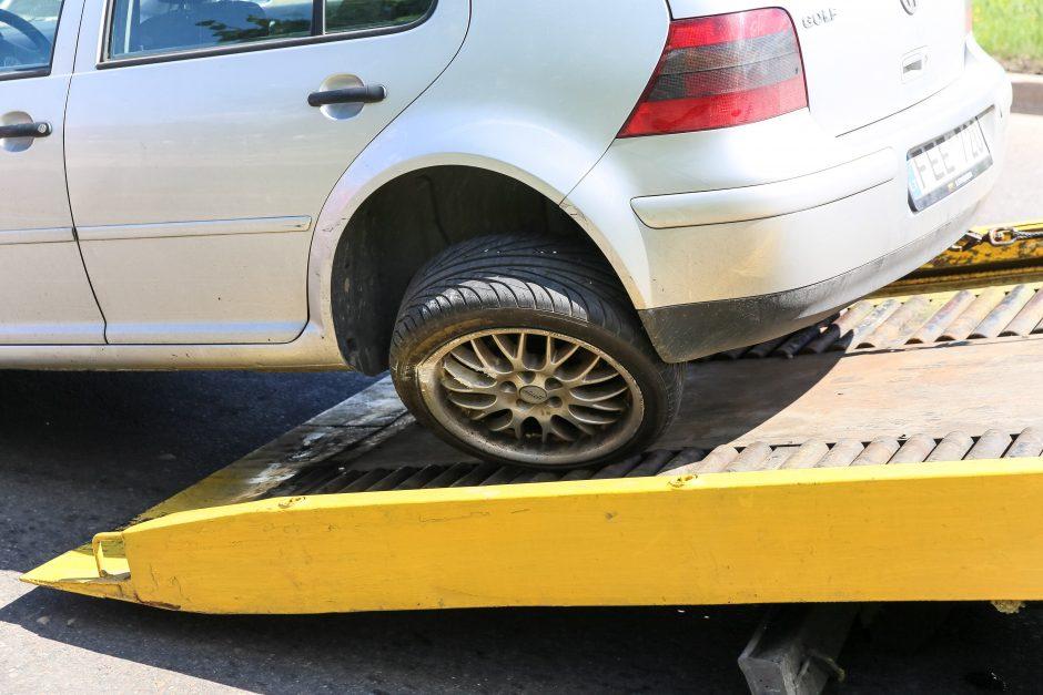 Automobilio ir vilkiko avarija
