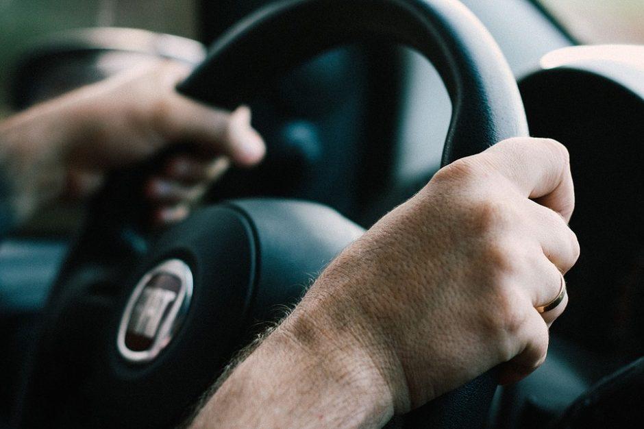 Draudikai: automobilių draudimas brangs