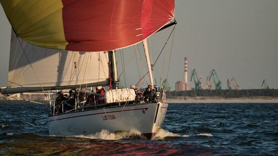 """Legendinė jachta """"Lietuva"""" ieško įgulos šimtmečio odisėjai"""
