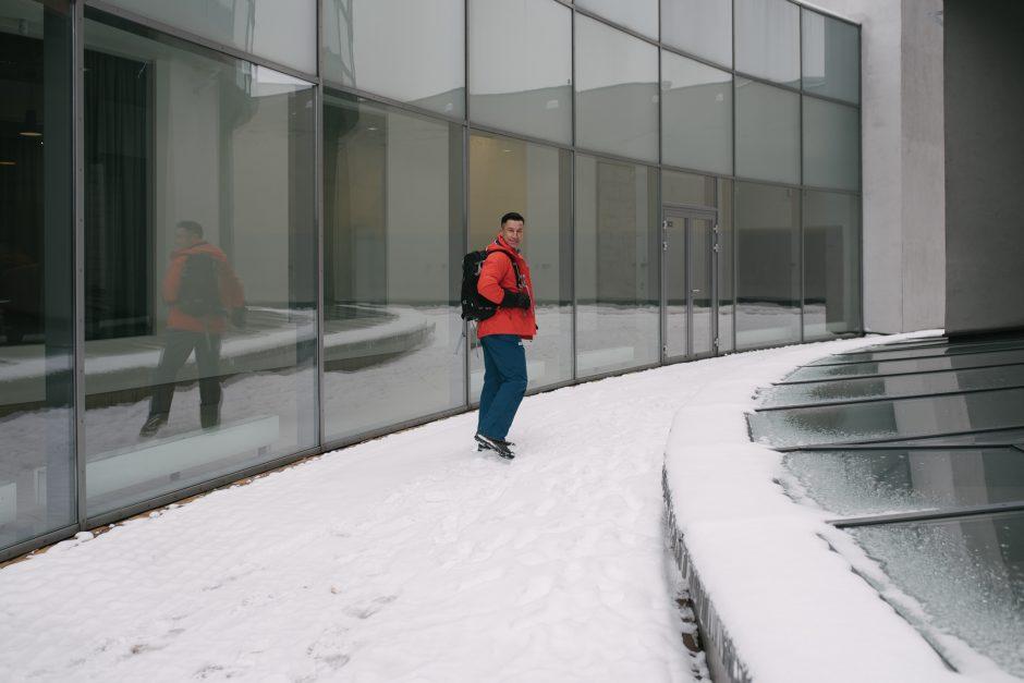 Žinomų vyrų pramogos žiemą: kad nebūtų šalta, naudoja vieną gudrybę