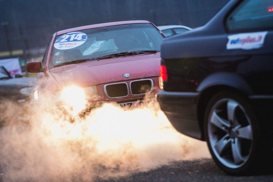 Lengvatos švariems automobiliams – iš taršių sąskaitos